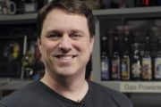 Главный автор Dungeon Siege и Total Annihilation разрабатывает 2D-стратегию и собственный облачный сервис