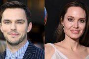 Анджелина Джоли и Николас Холт появятся в триллере режиссера «Ветреной реки»