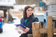Елена Михайличенко и Артем Позняк доставили бандероли