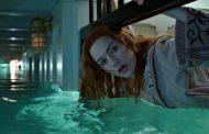 Фото: Кейт Уинслет с крыльями снимается в подводных сценах сиквелов «Аватара»