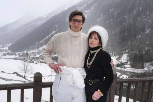 Появились первые фото Леди Гаги и Адама Драйвера со съемок фильма про Гуччи